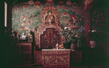 Norbu Lingka Throne